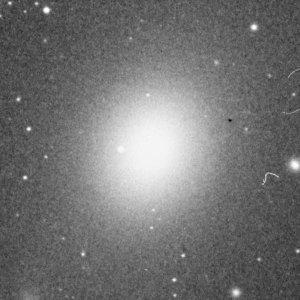 Figura 4. A décima estação, M49, galáxia elíptica gigante.